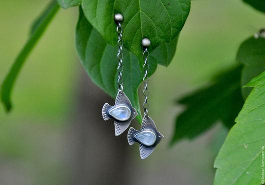 """Серьги ручной работы. Ярмарка Мастеров - ручная работа. Купить Серьги """"Белые Птицы"""" (серебро 925, лунные камни). Handmade."""