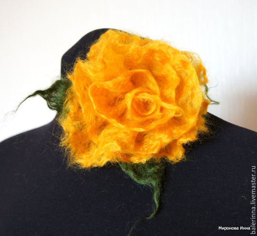 """Броши ручной работы. Ярмарка Мастеров - ручная работа. Купить Валяная брошь """"Пушистая роза"""" Жёлтая. Handmade. Брошь"""