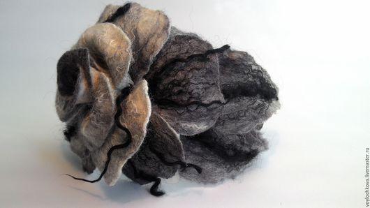 Диадемы, обручи ручной работы. Ярмарка Мастеров - ручная работа. Купить Ободок для волос из войлока Роза в оттенках серого. Handmade.
