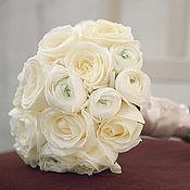 Цветы и флористика ручной работы. Ярмарка Мастеров - ручная работа Букет невесты из роз и ранункулусов. Handmade.