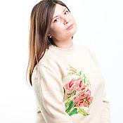 """Одежда ручной работы. Ярмарка Мастеров - ручная работа Пуловер с ручной  вышивкой """"Лилии"""". Handmade."""