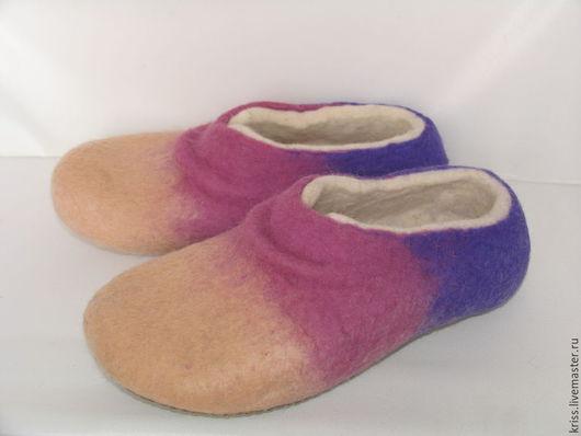 Обувь ручной работы. Ярмарка Мастеров - ручная работа. Купить тапочки домашние. Handmade. Валяние, домашняя овувь, подарок бабушке