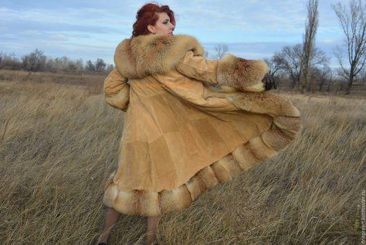 """Верхняя одежда ручной работы. Ярмарка Мастеров - ручная работа. Купить Пальто """"Очарование""""из замши с мехом лисы. Handmade. Бежевый"""