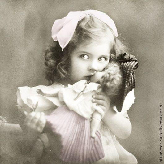 Декупаж и роспись ручной работы. Ярмарка Мастеров - ручная работа. Купить Девочка с куклой (80009) 33х33 салфетка для декупажа. Handmade.