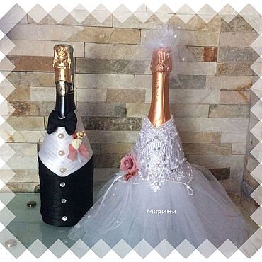 Свадебный салон ручной работы. Ярмарка Мастеров - ручная работа Чехлы на свадебные бутылки . «Жених и невеста».. Handmade.
