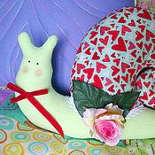 """Куклы и игрушки ручной работы. Ярмарка Мастеров - ручная работа Улитка Тильда. Игрушка текстильная. """"Сердечки"""". Handmade."""