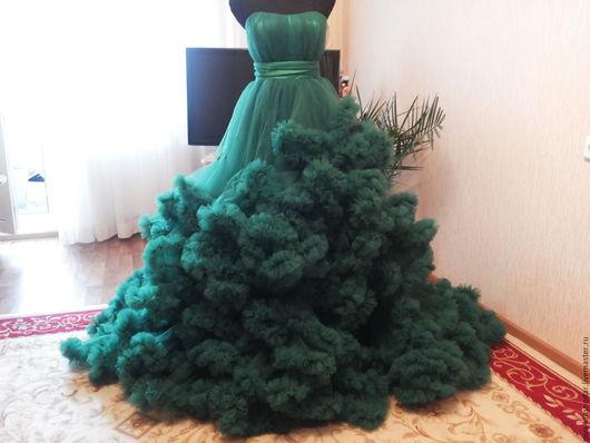 платье ручной работы  со шлейфом   для фотоссесии любой цвет