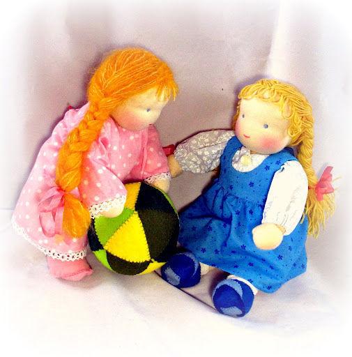 Вариант исполнения Куклы для старших дошкольников - прекрасные участники сюжетно-ролевых игр!  Материалы для кукол - только натуральные и высокого качества !