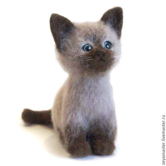Игрушки животные, ручной работы. Ярмарка Мастеров - ручная работа. Купить Котенок сиамский игрушка из шерсти. Handmade. Кот
