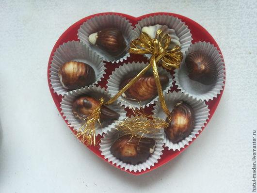"""""""Ракушки"""" -  объемные конфетки как настоящие ракушки.В коробочке 8-10 штук."""