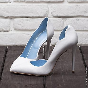 Обувь ручной работы. Ярмарка Мастеров - ручная работа Белые элегантные туфли- лодочки на каблуке 11 см.. Handmade.