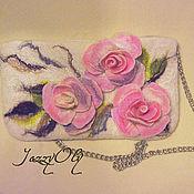 Сумки и аксессуары ручной работы. Ярмарка Мастеров - ручная работа Маленькая сумочка-клатч с розами. Handmade.