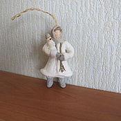Подарки к праздникам ручной работы. Ярмарка Мастеров - ручная работа Девочка со снеговиком.Ватные елочные игрушки. Handmade.