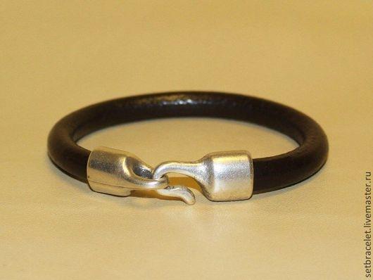 Браслеты ручной работы. Ярмарка Мастеров - ручная работа. Купить Женский кожаный браслет коричневый гладкий круглый шнур 7мм, крюк. Handmade.
