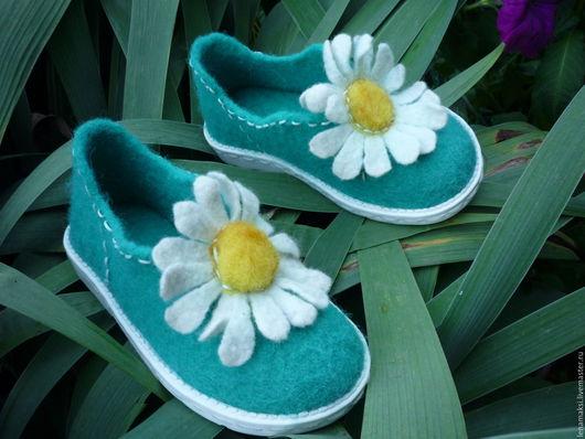 """Обувь ручной работы. Ярмарка Мастеров - ручная работа. Купить Туфельки """"Ромашковые"""". Handmade. Ярко-зелёный, обувь для детей, шерсть"""