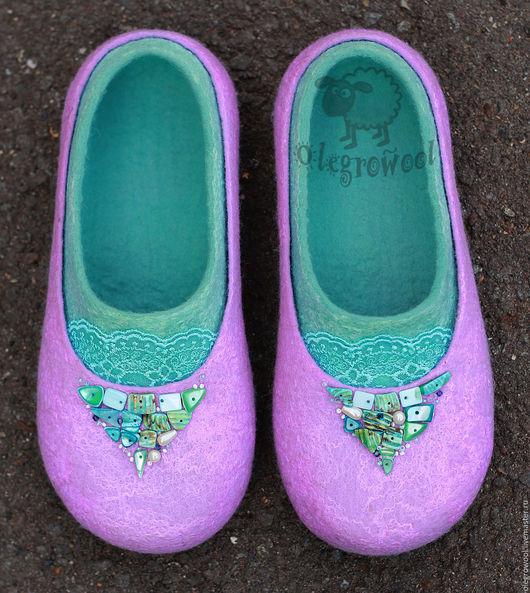 """Обувь ручной работы. Ярмарка Мастеров - ручная работа. Купить Валяные тапочки """"Моя прелесть"""". Handmade. Сиреневый, ракушки морские"""
