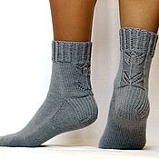 Аксессуары ручной работы. Ярмарка Мастеров - ручная работа Вязаные ажурные шерстяные носки - арт.Тюльпаны серый женские носки. Handmade.