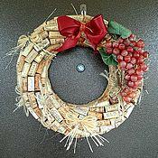 Подвески ручной работы. Ярмарка Мастеров - ручная работа Интерьерный венок из винных пробок. Handmade.
