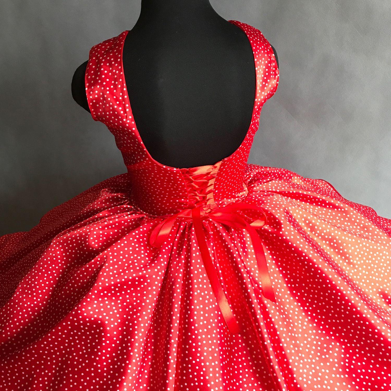 Пышное платье стиляги