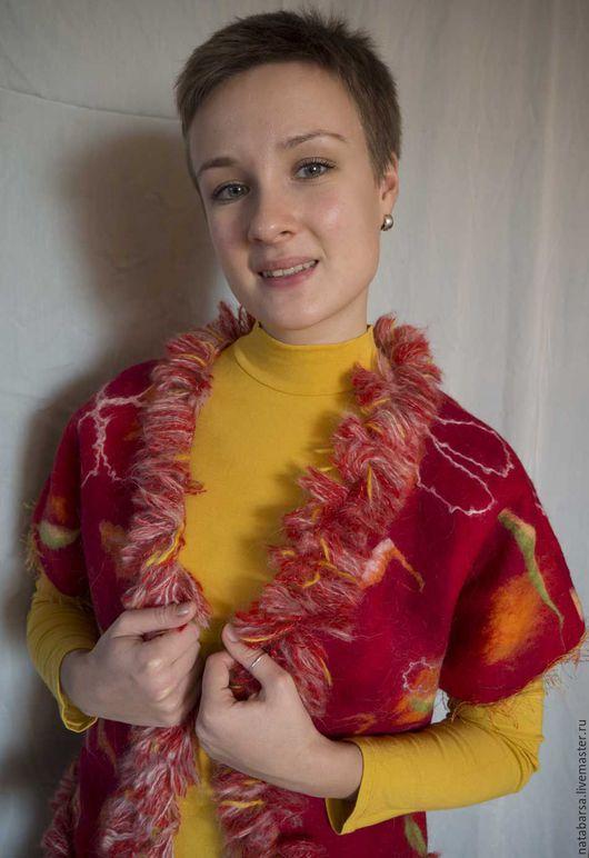 Жилеточка подарит вам тепло и уют в любое время года, а чудесное сочетание цветов порадует ваш взгляд!