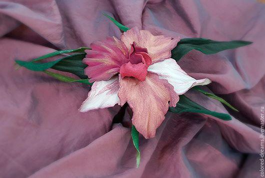 """Броши ручной работы. Ярмарка Мастеров - ручная работа. Купить брошь из кожи """"Цветок орхидеи"""". Handmade. Фуксия"""