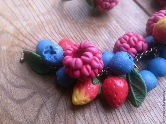 """Браслеты ручной работы. Ярмарка Мастеров - ручная работа. Купить Ягодный браслет из полимерной глины """"Вкус лета"""" -малина, голубика. Handmade."""