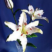 Цветы и флористика ручной работы. Ярмарка Мастеров - ручная работа Веточка белых лилий. Handmade.
