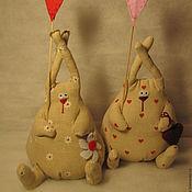Куклы и игрушки ручной работы. Ярмарка Мастеров - ручная работа Зайцы СердеШные :-). Handmade.