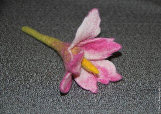 Броши ручной работы. Ярмарка Мастеров - ручная работа. Купить Брошь-цветок, валяние из шерсти. Handmade. Розовый