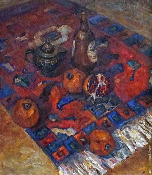 Восточный натюрморт с гранатом. Анна Чепель. 80 x 75 см., холст, масло, 2000. Натюрморт, выполненный в восточном колорите с соответствующими предметами быта — гранаты, ковёр, металлический кофейник.