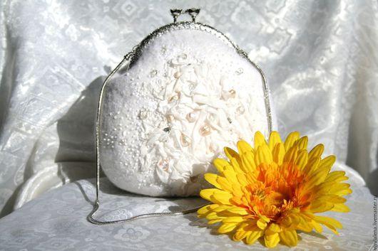 Женские сумки ручной работы. Ярмарка Мастеров - ручная работа. Купить сумочка для невесты ручной работы белоснежный свадебный аксессуар. Handmade.