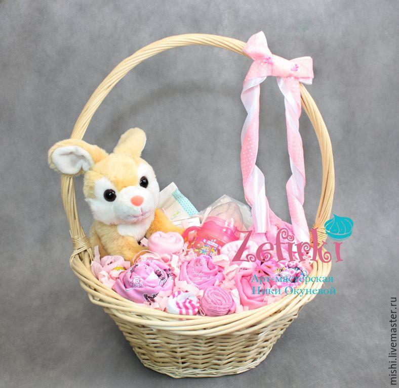 Корзинка с подарками для новорожденных 83