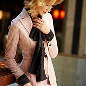 Костюмы ручной работы. Ярмарка Мастеров - ручная работа Нежно-розовый деловой костюм в тонкую полоску, с юбкой. Handmade.