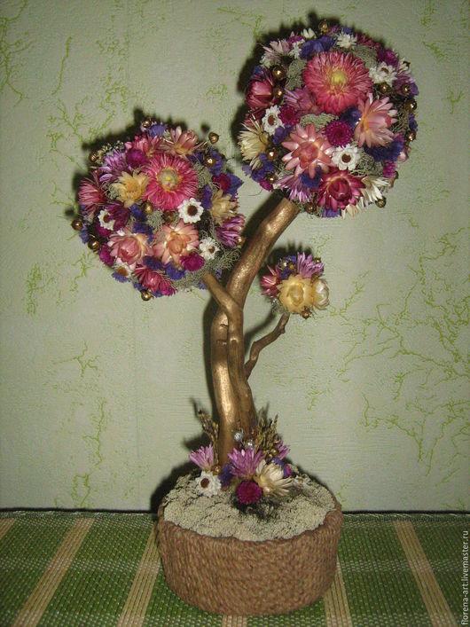 Деревце из  `солнечных цветов` - гелихризумов - символ Единства в Семье