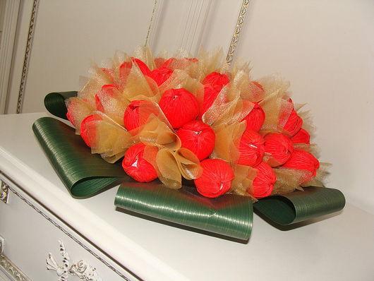 """Букеты ручной работы. Ярмарка Мастеров - ручная работа. Купить Букет из конфет """"Алое очарование"""". Handmade. Букет из конфет"""
