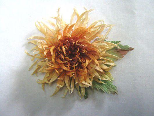 """Броши ручной работы. Ярмарка Мастеров - ручная работа. Купить Хризантема-брошь """"Осень"""". Handmade. Цветы из шелка, аксессуары, брошь"""