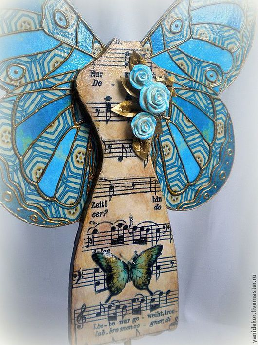 Фигурка из дерева Песня Бабочки.Статуэтки из дерева.