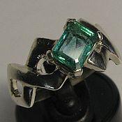 Натуральный изумруд  0.86 карата &кольцо серебро 925 пробы размер 16.5