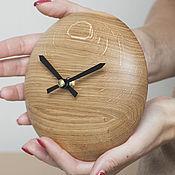 Часы классические ручной работы. Ярмарка Мастеров - ручная работа Часы круглые настенные из дуба. Handmade.