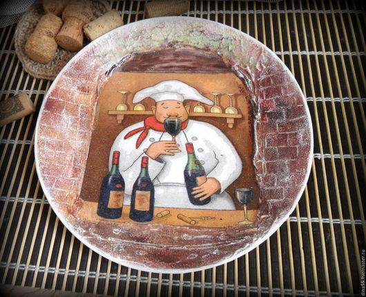 Люди, ручной работы. Ярмарка Мастеров - ручная работа. Купить декоративная тарелка Сомелье. Handmade. Коричневый, винный бар, Декупаж