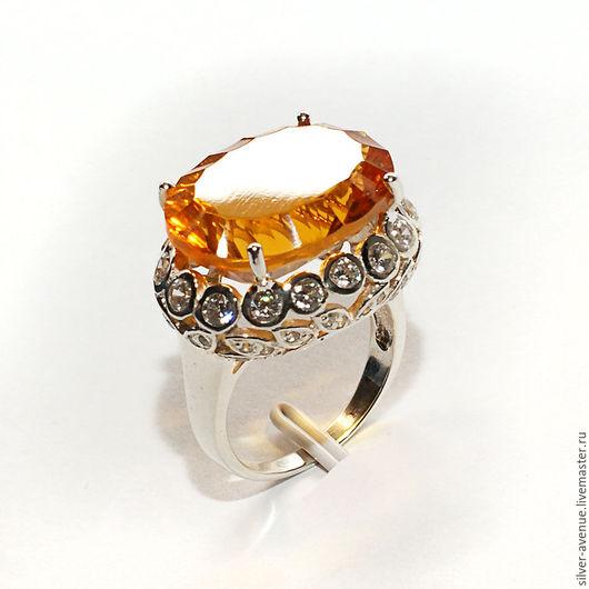 Кольцо с медовым цитрином (11,9 ct.)  и сапфирами, серебро 925