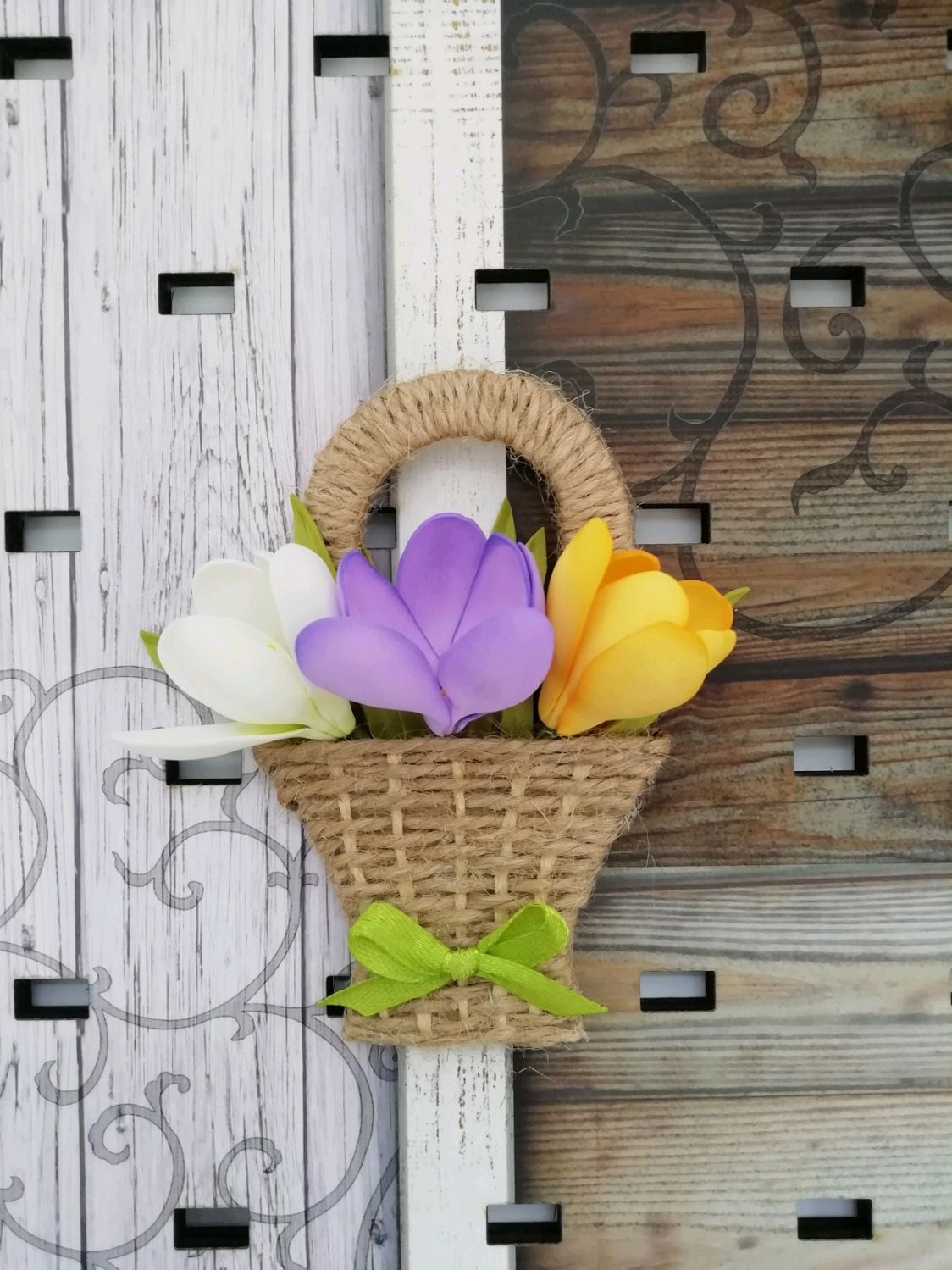 Разноцветные крокусы в корзинке. Магнит на холодильник, Магниты, Петрозаводск,  Фото №1