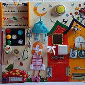 Куклы и игрушки ручной работы. Ярмарка Мастеров - ручная работа Бизиборд,развивающая доска. Handmade.
