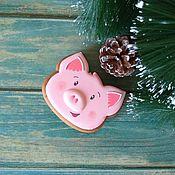 Пряники ручной работы. Ярмарка Мастеров - ручная работа Пряник свинка (Новогодняя свинья - символ 2019 года). Handmade.