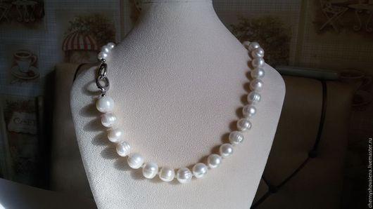 Колье, бусы ручной работы. Ярмарка Мастеров - ручная работа. Купить Ожерелье из крупного жемчуга.. Handmade. Белый, подарок женщине