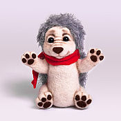 """Куклы и игрушки ручной работы. Ярмарка Мастеров - ручная работа Валяная игрушка """"Ежик в красном шарфе"""". Handmade."""