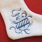 """Подарки к праздникам ручной работы. Ярмарка Мастеров - ручная работа Новогодний сапожок из серии """"Голубое Рождество"""",елочная игрушка. Handmade."""