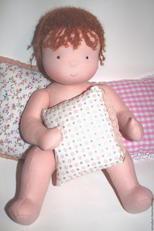 La pieza-el patrón de la muñeca-bebé de tejido de punto Blanco ángel ...