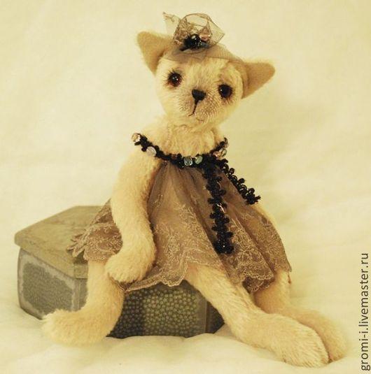 Мишки Тедди ручной работы. Ярмарка Мастеров - ручная работа. Купить Кошка Жаннет. Handmade. Бледно-сиреневый, кошка тедди