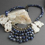 Колье каскад  из натуральных камней содалита и говлита 432